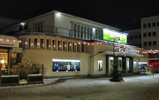 Theater Bonn, Kammerspiele Bad Godesberg. Foto: Sir James. Lizenz: CC BY-SA 3.0. Quelle: http://commons.wikimedia.org/wiki/File:Kammerspiele_Bonn_Bad_Godesberg_20100106b.jpg