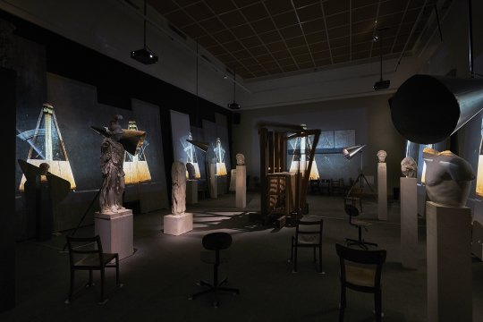 "Ausstellungsansicht ""William Kentridge. O Sentimental Machine"". The Refusal of Time, 2012. Foto: Liebieghaus Skulpturensammlung, Frankfurt am Main"